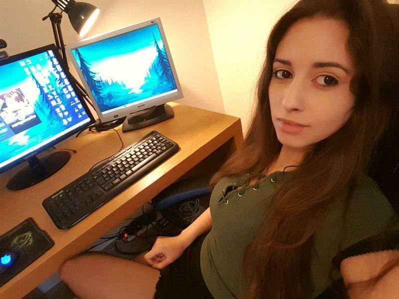 Sweet Anita setup selfie